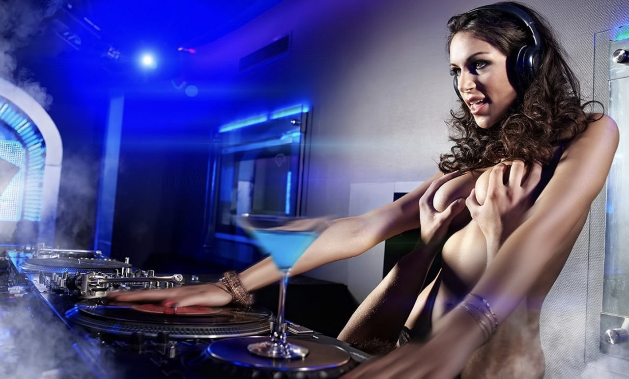 Попок русских девушки в клубе топлесс фото порноактеры